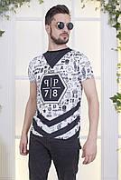 Прилегающая трикотажная футболка для мужчин с принтом
