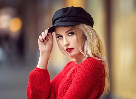 Женские кепки
