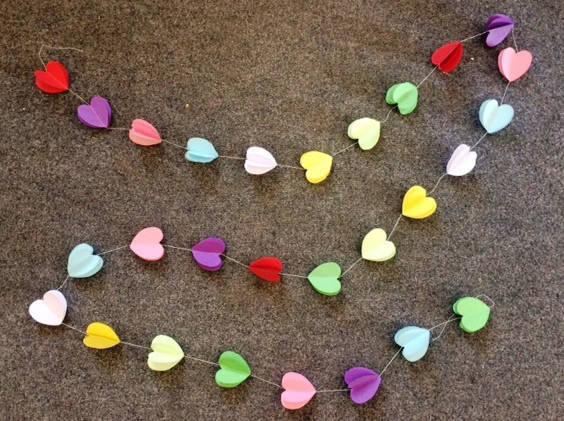Бумажная гирлянда 3D Яркие сердечки 2,5 метра