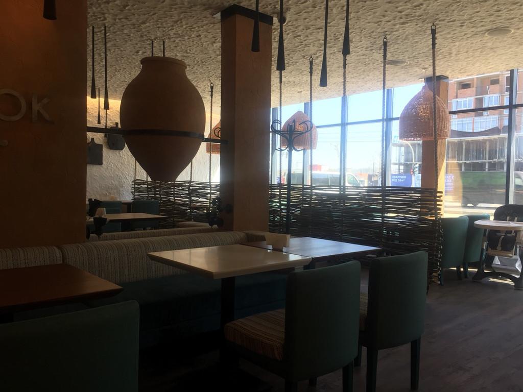 Оформление грузинского ресторана плетенкой 3