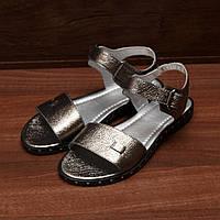 80361| Женские босоножки повседневные на низком каблуке. Серебристые из натуральной кожи