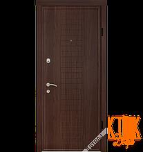 """Вхідні двері Берез """"Модель B102"""" серії """"Стандарт"""" (горіх темний)"""