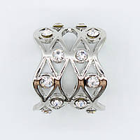 Кольцо из белого металла для платка декорировано стразами