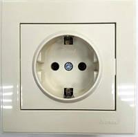 Розетка с заземлением жемчужно-белый металлик (перламутр) RAIN Lezard