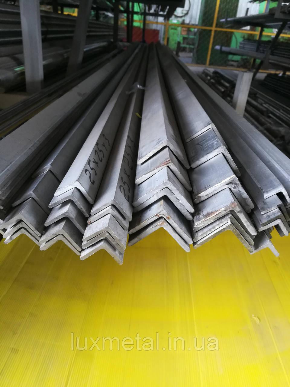 Уголок нержавеющий 30х30х3,0 мм AISI 304