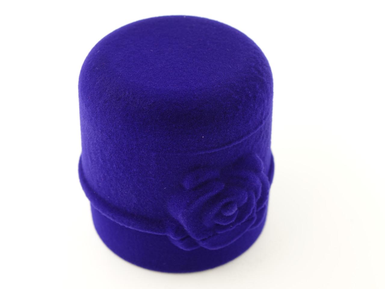 "Бархатный футляр для кольца ""Цилиндр с розой"" синий"