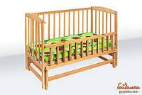 Кроватка детская на шарнирах с откидной боковиной (Z шарнир)(600*1200)(бук)1B217-2