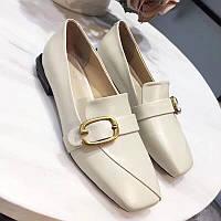 Кожаные туфли в классическом стиле Stuart Weitzman