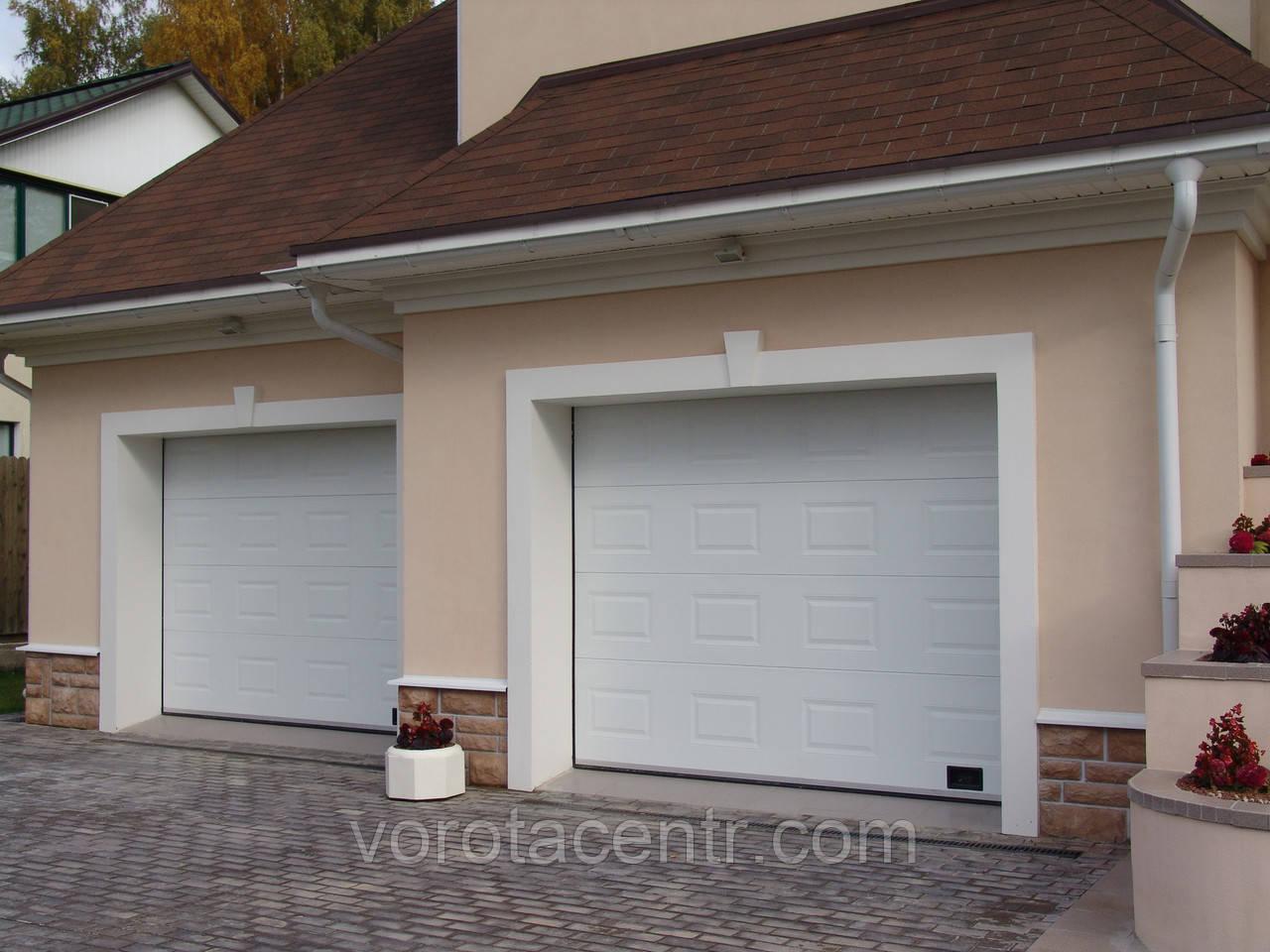 Ворота гаражні секційні RSD01 3000х2600 DoorHan