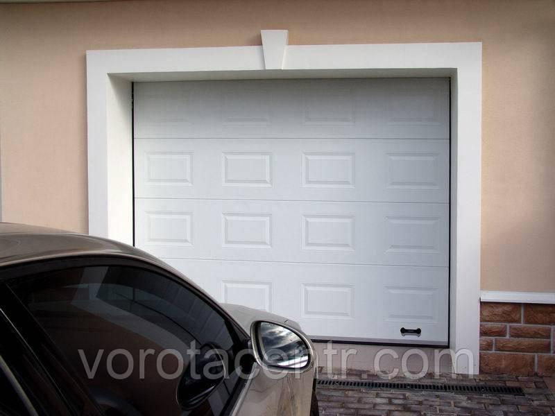 Автоматичні секційні гаражні ворота RSD02 3500x2500 DoorHan