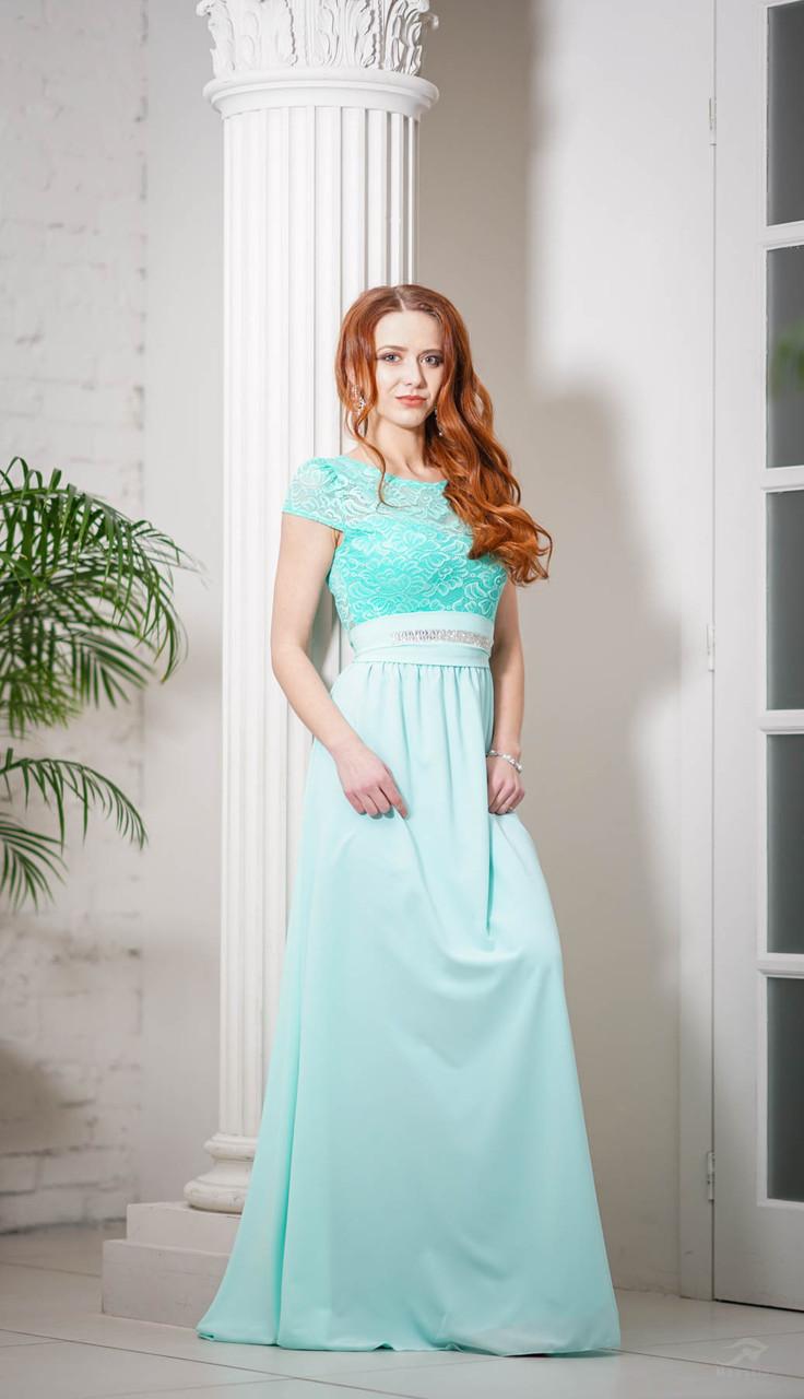 Вечернее платье макси в бирюзовом цвете.