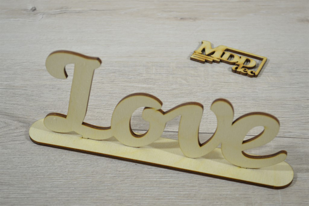 Слово из фанеры на подставке Love