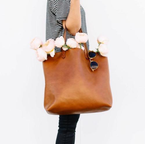 сумка тоут с чем носить