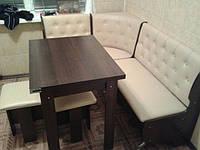Кухонный уголок Адмирал с простым, раскладным столом и двумя табуретами