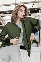 Женская куртка-ветровка. Цвет темно-зеленый.
