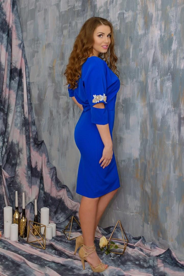 """Элегантное женское платье с аппликацией ткань """"Костюмная"""" 48, 50, 52, 54  размер батал"""