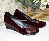 Женские бордовые туфли на танкетке, натуральная кожа и замша, фото 2