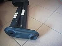 Рычаг правый 1350 кг на торсионную ось