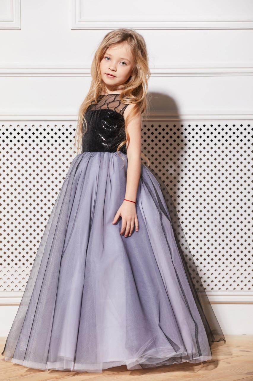 83f830de857 Нарядное платье на девочку 6-9 лет с паетками черное с белым ...