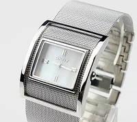 Часы марки DKNY- в наличии золото и серебро