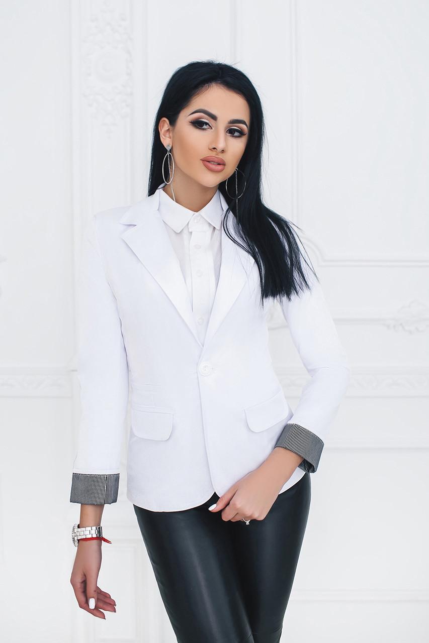 Пиджак на одну пуговицу белый