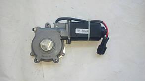 Моторедуктор  Электродвигатель стеклоподъемника правый Нексия Nexia (треугольный) OEM 96168984