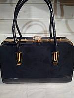 3132d76c17ad Женская сумка с жестким каркасом внутри и застежкой типа