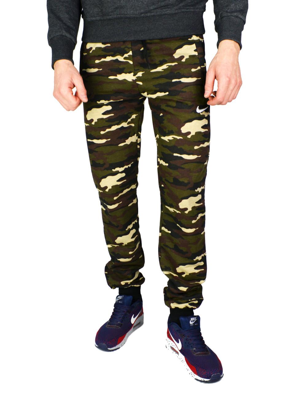 Камуфляжные мужские спортивные трикотажные штаны с манжетами NIKE ... d6e9577e4bb