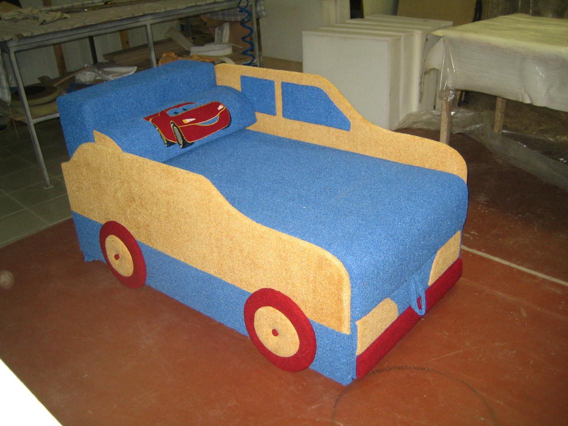 Диван-машина Молния Макквин сине-желтый