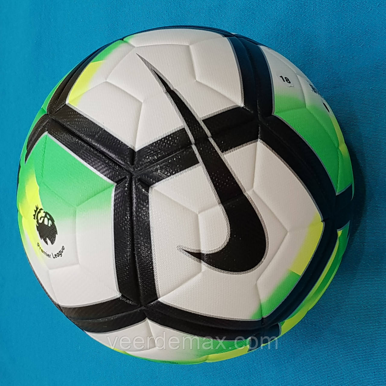 Мяч футбольный Nike Pitch Premier League (бело-зеленый)