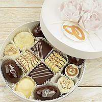 """Набор элитных шоколадных конфет """"Свадебная феерия"""". Размер: Ø165х50мм, вес 330г"""