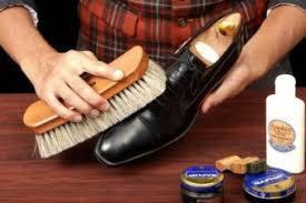 Як доглядати взуття, так, щоб воно було красивим довше.
