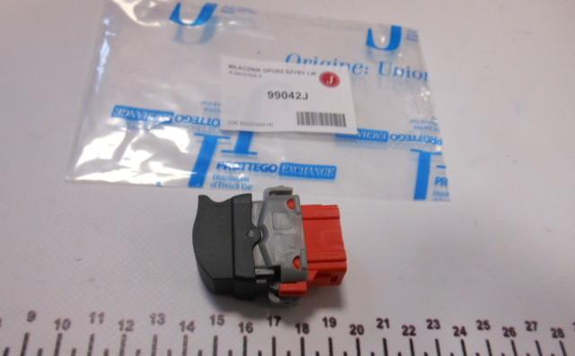 Кнопка стеклоподъемника L двери Renault Master 98-