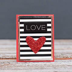 Открытка мини Love красное сердце и полосы