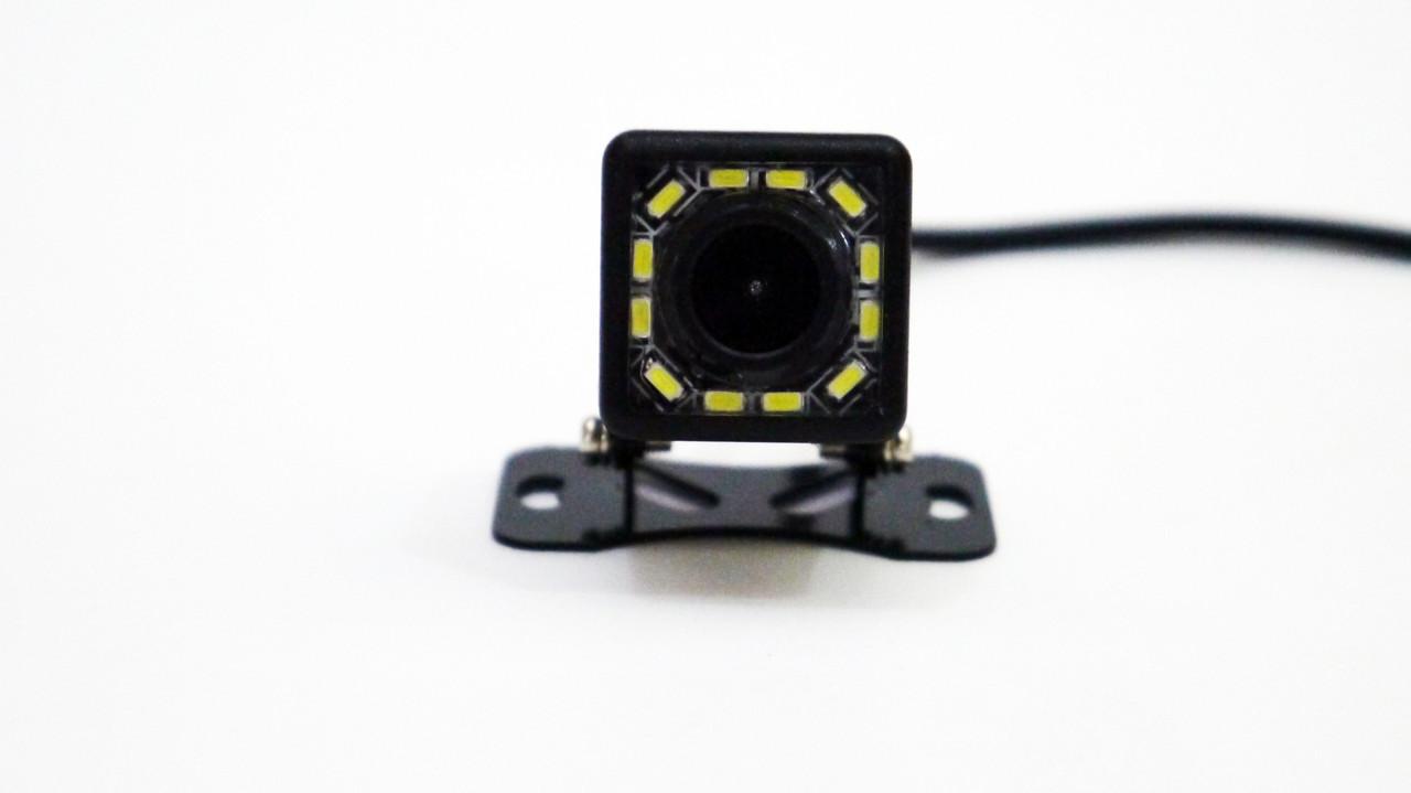 Камера заднего вида с динамической разметкой и подсветкой 103