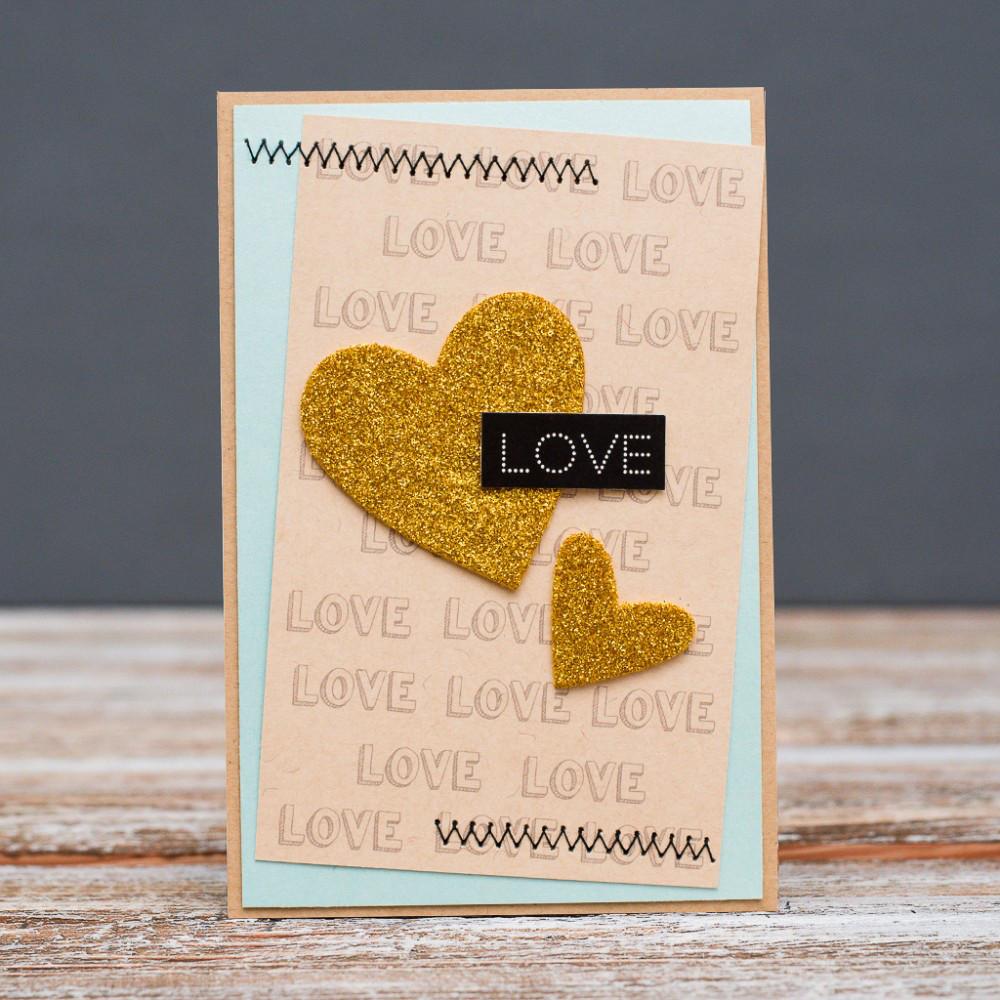 Открытка стандартная Love два золотых сердца