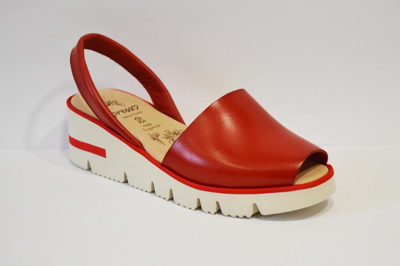 Красные кожаные босоножки Presso