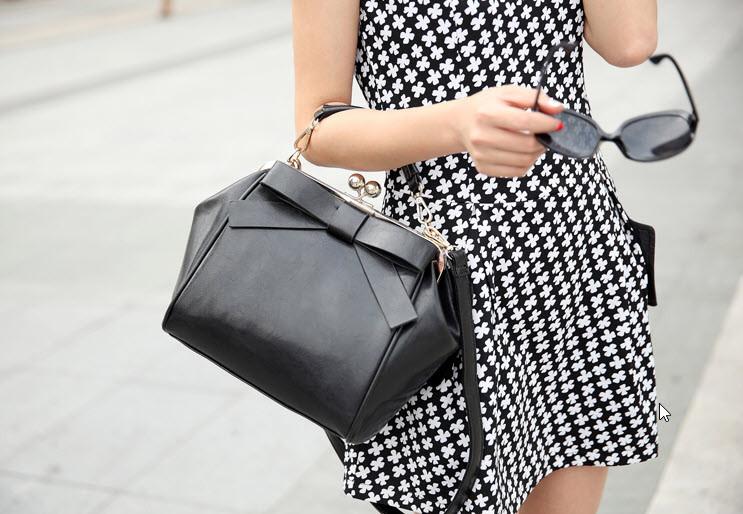 Винтажная женская сумка с ретро защелкой
