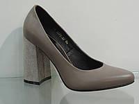 Элегантные женские туфли кожаные натуральные на каблуке цвет кофе с молоком, фото 1