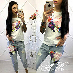 Костюм джинсы и футболка с декором накатка в виде цветов 42-46 р