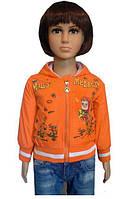 Курточка на манжете для девочек украшена принтом Маша