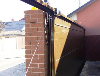 Алюминиевые откатные ворота Алютех внутрення часть. Противовес (консольная часть) на тросах.