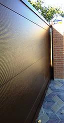 Алюминиевые откатные ворота с зашивкой седвич-панелями Алютех