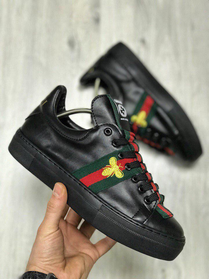 Мужские кроссовки Gucci черного цвета с мухой топ реплика