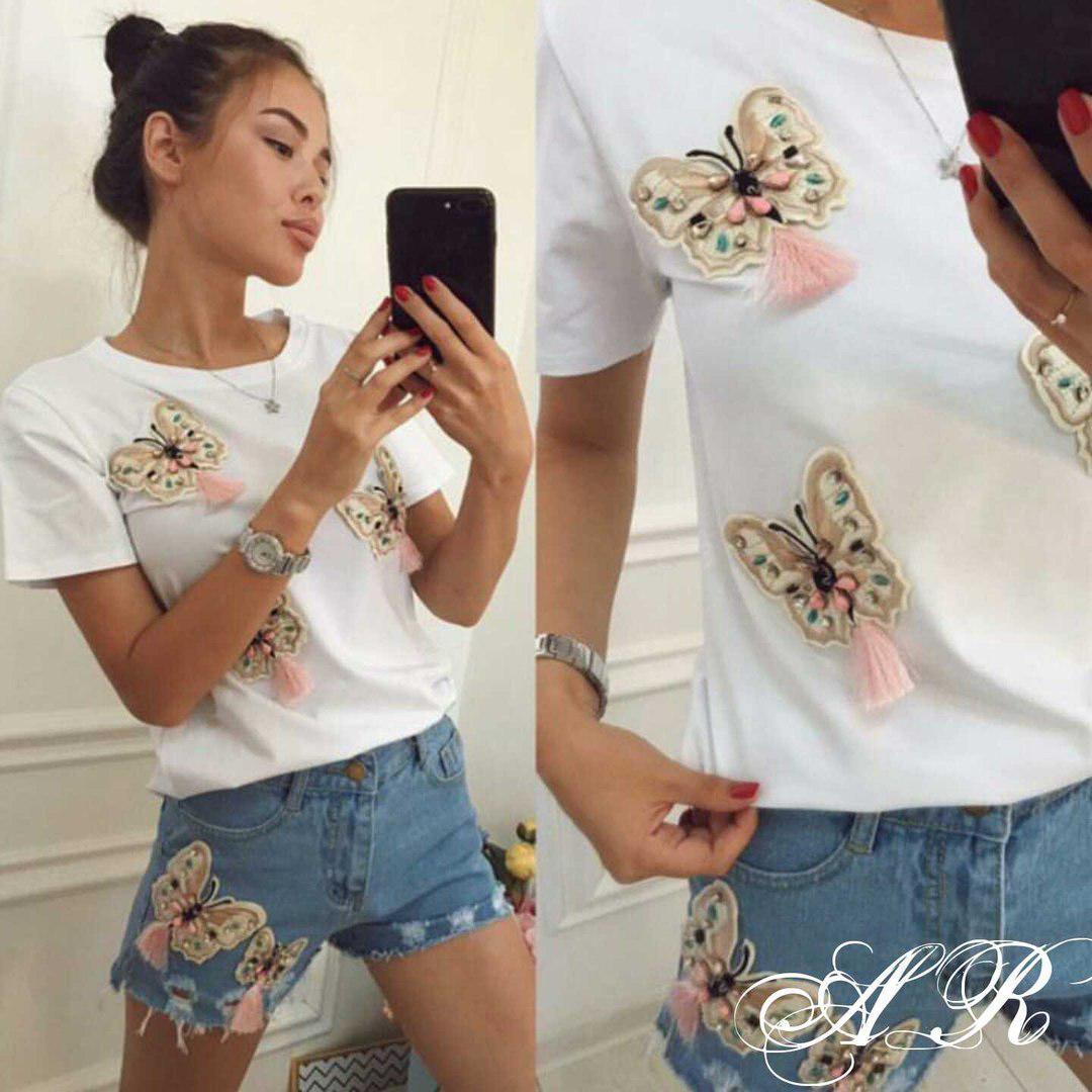 Костюм шорты и футболка с нашивками в виде бабочек 44-48 р