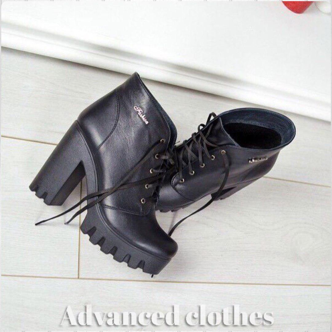 Ботинки со шнурком на каблуке натуральная кожа байка