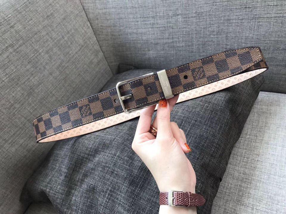 Коричневый ремень от Louis Vuitton