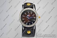 Женские кварцевые часы на толстом ремешке, фото 1