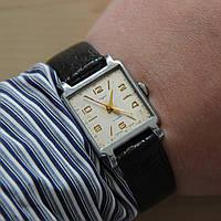 Сура винтажные механические наручные часы СССР