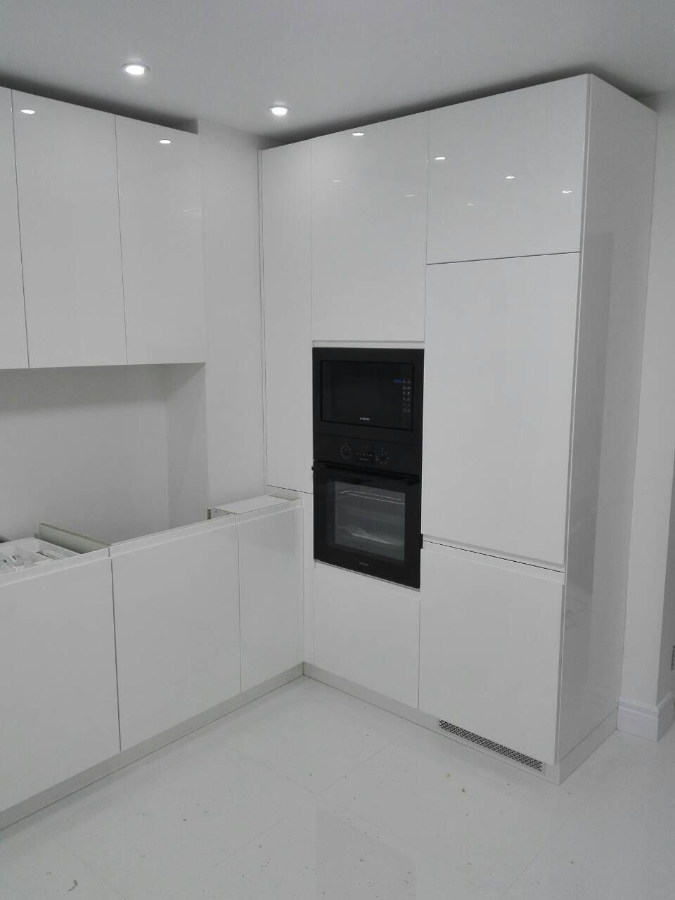 Кухня белая глянцевая на заказ